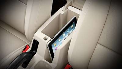 FRONT ARMREST WITH STORAGE