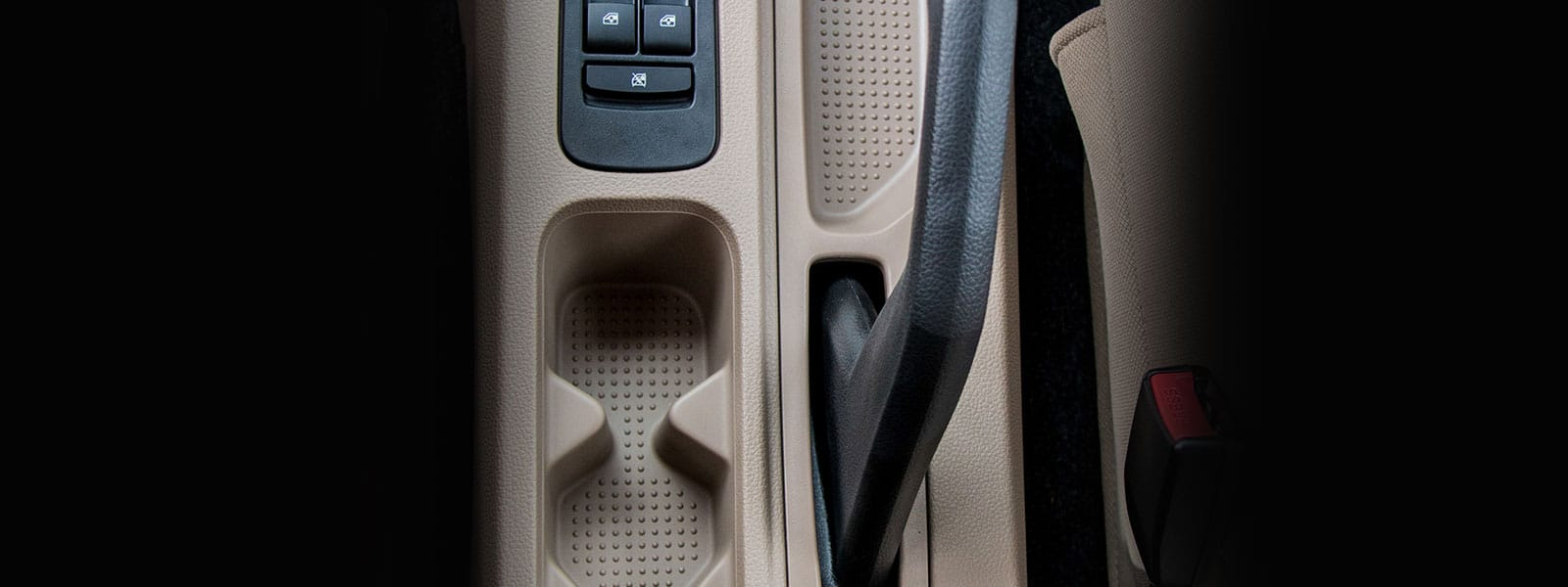 Cup holder in centre console